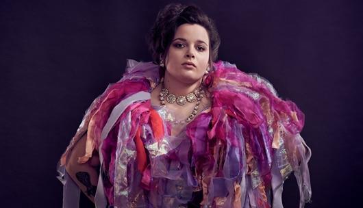 Portrait of artist Lauren Be Dear